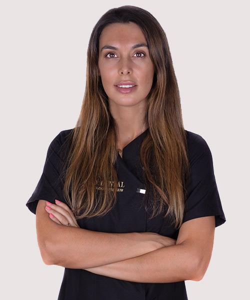 Dra Paloma Díaz  Especialista en Odontopediatria & insvisalign